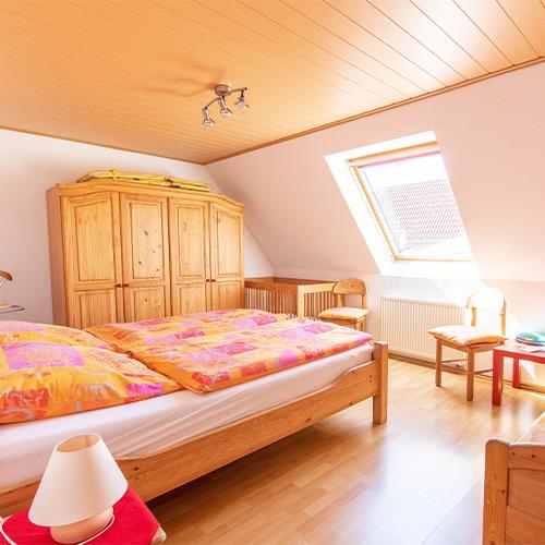 Ferienwohnung Seeteufel, Wohnung 5, Schlafzimmer mit zusätzlichem Bett